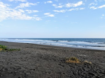 The volcanic sand beach is exactly ZERO steps away, and is NEVER crowded.
